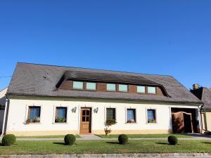 Holiday Home Haus Wagram - Vienna