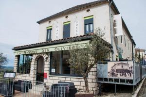 Logis Hôtel La Bastide des Oliviers