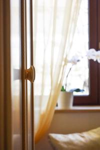 Camera Matrimoniale con Vista Giardino