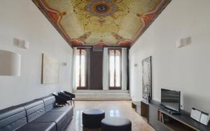 Bologna Villa Sleeps 6 Air Con WiFi - AbcAlberghi.com