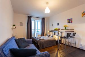 obrázek - White Panoramic Seaside Apartment