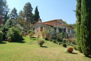 Paciano Villa Sleeps 8 Pool Air Con WiFi - AbcAlberghi.com
