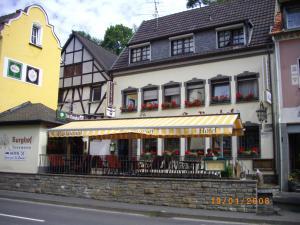 Hotel Im Burghof - Hönningen