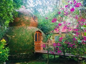 Phu Quoc Sen Lodge Bungalow Village