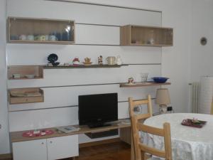 GRAZIOSO ALLOGGIO SOGGIORNO MARINO - AbcAlberghi.com