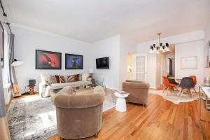 2 Bedroom close to Central Park