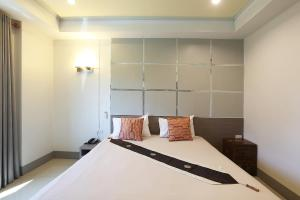 V Place Residence - Ban Nam Krachai