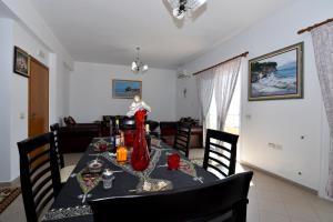 Villa Merkuri - Radhimë