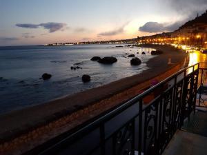 Hostel Taormina Beach - Homstel - AbcAlberghi.com