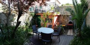 Appartamento con giardino e terrazza a due passi d - AbcAlberghi.com