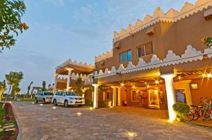 Al Malfa Resort, Курортные отели - Унайза