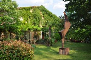 Location gîte, chambres d'hotes La Mazade de Saint Mamert dans le département Gard 30