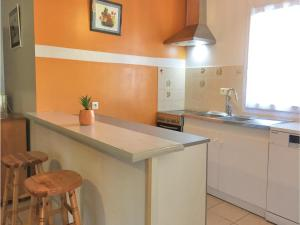 Two-Bedroom Holiday Home in La Tranche sur Mer, Holiday homes  La Tranche-sur-Mer - big - 10