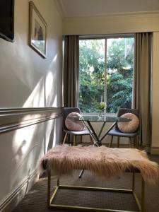 Beaumont Kew Apartments
