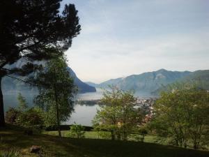 monolocale vista lago Iseo - AbcAlberghi.com