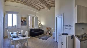 Casa con Loggiato residenza storica - AbcAlberghi.com