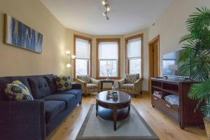 Comfortable 2 Bedroom Apartment & Free Parking