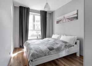 Warszawa-Włochy Sunlit Apartment - Kolonia Raków