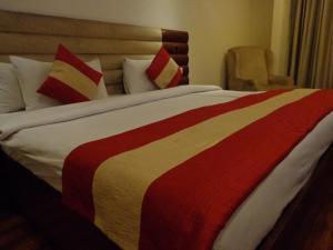 Hotel Aura, Отели  Нью-Дели - big - 13