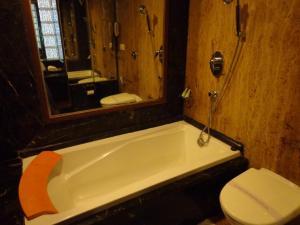Hotel Aura, Отели  Нью-Дели - big - 9