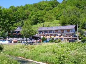 Landhotel Weinhaus Treis - Holzhausen an der Haide