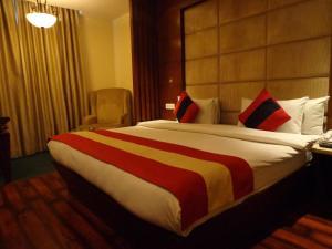 Hotel Aura, Отели  Нью-Дели - big - 52