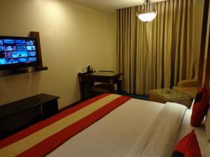 Hotel Aura, Отели  Нью-Дели - big - 23