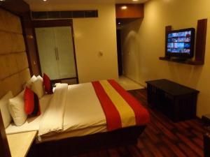 Hotel Aura, Отели  Нью-Дели - big - 66