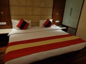 Hotel Aura, Отели  Нью-Дели - big - 48