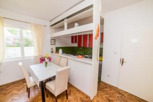 Lux Apartments Nadja, Apartmanok  Budva - big - 28