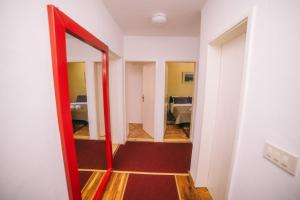 Lux Apartments Nadja, Apartmanok  Budva - big - 38