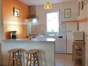Two-Bedroom Holiday Home in La Tranche sur Mer, Nyaralók  La Tranche-sur-Mer - big - 10