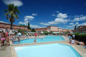 Location gîte, chambres d'hotes Lagrange Grand Bleu Vacances – Résidence Les Jardins de Neptune dans le département Pyrénées Orientales 66