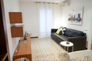 Authentic & Cute Family Apartment near Camp Nou