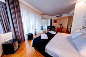 Sarroglia Hotel, Hotels  Bukarest - big - 15