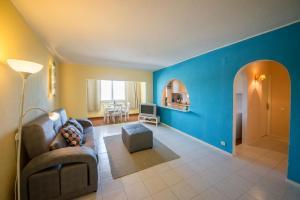 Beach Tower Getaway: Center, Parking, Comfort, 2825-359 Costa da Caparica