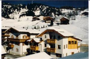 Pensione Valbona - Accommodation - Corvara in Badia