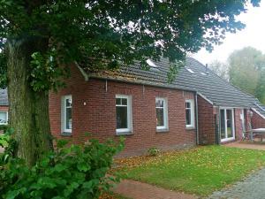 Holiday Home Haus Linden - Berumerfehn