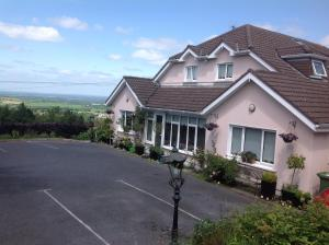 Bearna Rua B&B, Bed & Breakfasts  Citywest - big - 19
