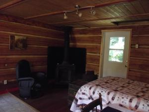 Solitude B&B on Aveley Ranch, Bed & Breakfast  Vavenby - big - 31