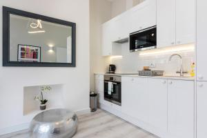 Stylish and Modern 2 Bed apt in Queens Park, Apartmány  Londýn - big - 17