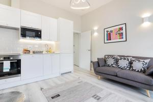 Stylish and Modern 2 Bed apt in Queens Park, Apartmány  Londýn - big - 18
