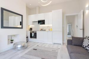 Stylish and Modern 2 Bed apt in Queens Park, Apartmány  Londýn - big - 16