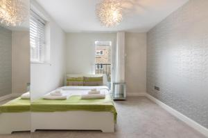 Stylish and Modern 2 Bed apt in Queens Park, Apartmány  Londýn - big - 24