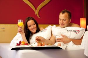 Alpen-Herz Romantik & Spa - Adults Only, Hotely  Ladis - big - 66
