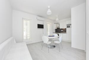Apartments Vila Moli, Apartments  Bibinje - big - 11