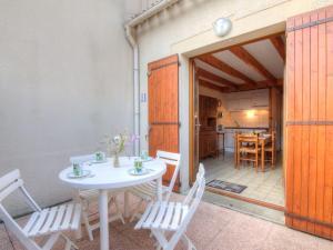 Location gîte, chambres d'hotes Holiday Home Jardins de l'Océan-1 dans le département Charente maritime 17