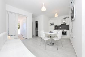 Apartments Vila Moli, Apartments  Bibinje - big - 3