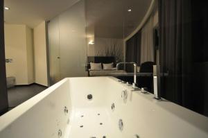 Sarroglia Hotel, Hotels  Bukarest - big - 32
