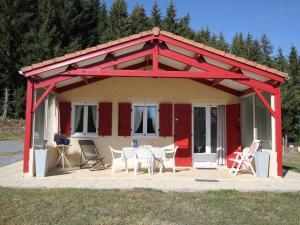 Location gîte, chambres d'hotes Chalet Le Clos des Sapins dans le département Haute loire 43